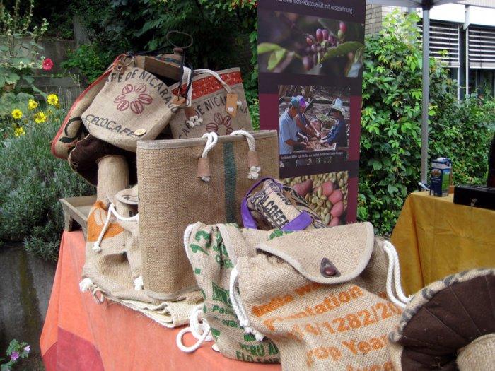 Upcycling aus Kaffeesäcken – die neuen Taschenmodelle